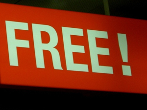 Post image for Copywriters: Should You Write Copy For Free? 5 Cases For Working Without Pay.